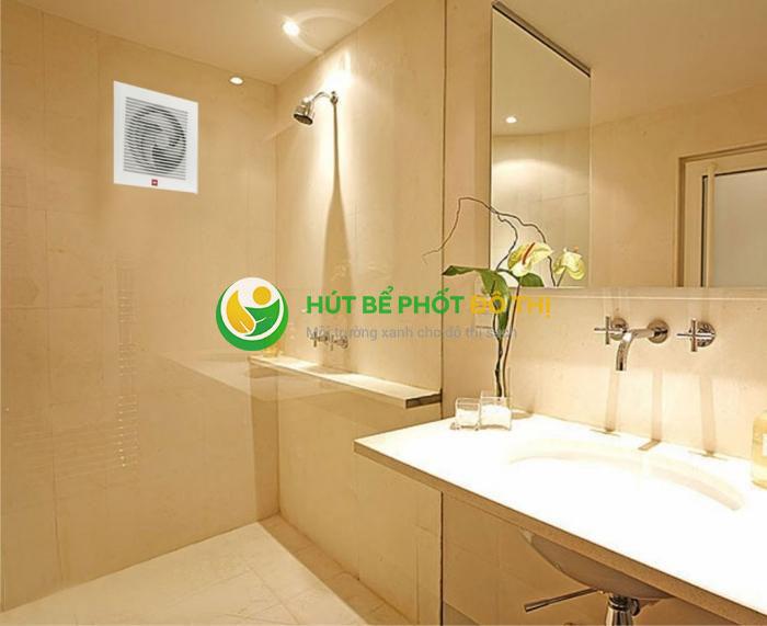 Tính lưu lượng không khí cần thiết để bao phủ hoàn toàn nhà vệ sinh